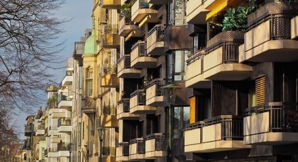 Manutenzione dei balconi: chiarimenti sulla ripartizione delle spese tra condomini