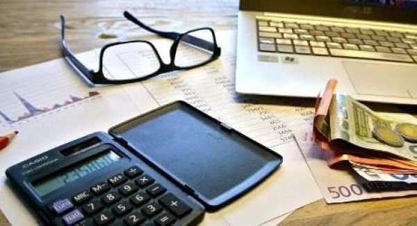 Ritenute e compensazioni in appalti e subappalti: chiarimenti sui requisiti per la deroga