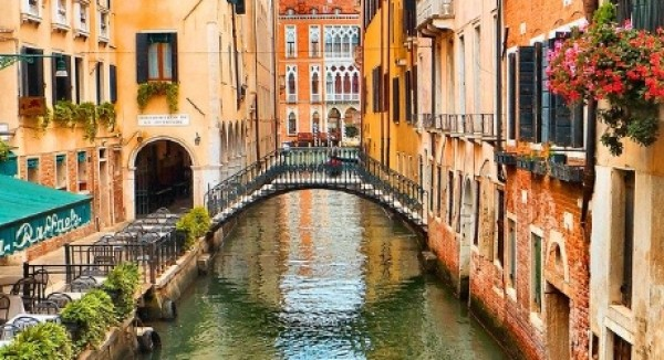 Veneto: prorogato al 30/09/2020 il termine per l'adeguamento al Regolamento Edilizio Tipo