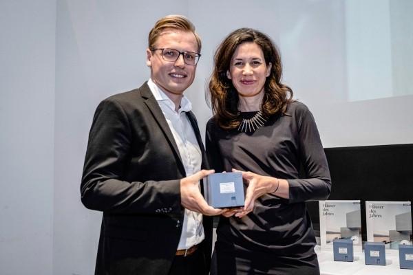 """Il sistema GENEO di REHAU premiato """"Prodotto dell'anno 2019"""" dalla casa editrice di architettura Callwey Verlag"""