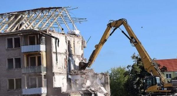 Per la sospensione dell'ordine di demolizione non è sufficiente il deposito di un ricorso