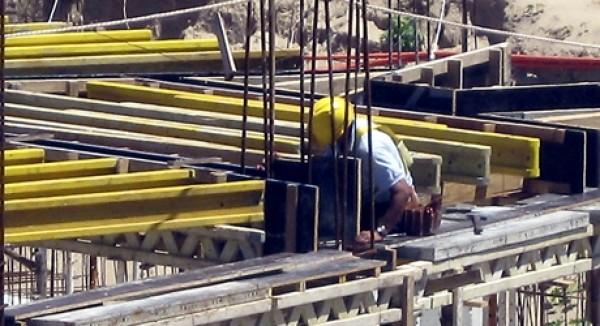 Agevolazioni per acquisto dall'impresa di case antisismiche, rileva la data del procedimento edilizio