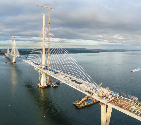 Tre secoli di costruzioni di ponti sul Firth of Forth