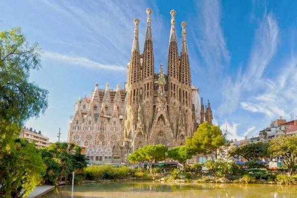 È arrivato il permesso di costruzione per la Sagrada Familia, con 137 anni di ritardo