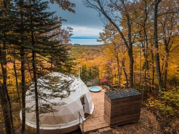 L'ecoresort in Quebec tra le foreste del Canada