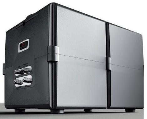 CUBO L/H - Cubo è l'innovativa unità di trattamento da abbinare ad un accumulo esterno per rinnovare la centrale di produzione di acqua calda sanitaria, ideale nei progetti di ristrutturazione. Cubo è dotato di due sonde di temperatura da inserire nell'accumulo remoto. Inoltre l'elettronica di controllo di Cubo è programmata per pilotare una resistenza di riscaldamento.