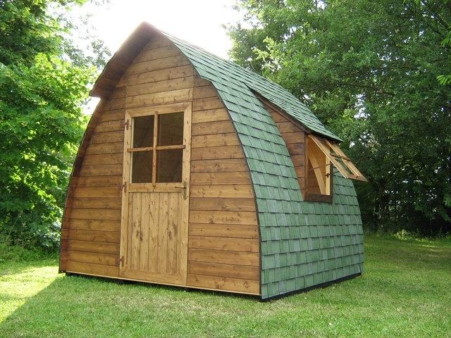 giardino136_casetta in legno1