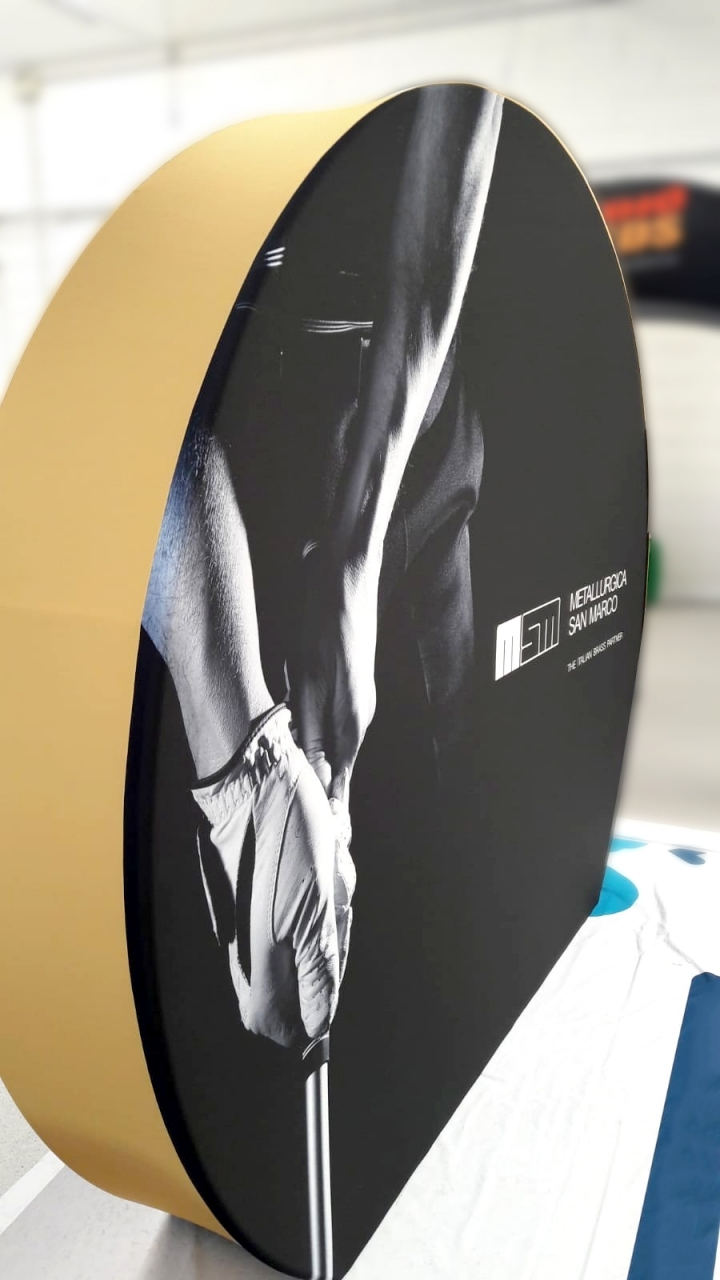 expo-tessuto-fondale-ruota-metallurgica-san-marco-corretto