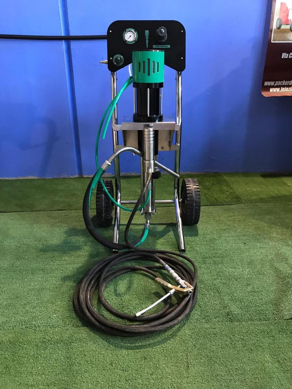 Pompa da iniezione pneumatica per resine idroespansive 2021
