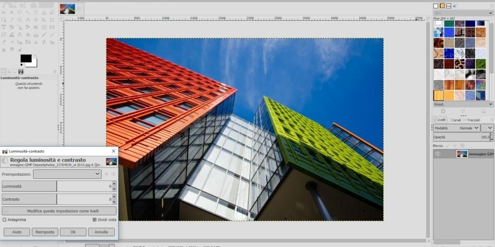 GIMP elearning fotoritocco ed editing immagini - Gimp è un potente editor di immagini free e open source utile sia all'elaborazione di immagini creative che al fotoritocco e operazioni di post produzione. Gli ambiti di impiego nei quali può dimostrare le sue potenzialità sono vasti e le sue caratteristiche ci permettono di considerarlo come una valida alternativa ai software professionali di più largo uso, nonché un potente strumento alla portata di tutti coloro che vogliono mettersi in gioco e testarne le potenzialità.  Manipolazione di immagini e di fotografie, attività di post produzione e la possibilità di produrre autonomamente immagini creative sono solo alcune delle applicazioni in cui questo software può essere di supporto. Iniziando da una panoramica generale relativa all'interfaccia e alle principali funzioni, lo studente verrà guidato attraverso esercitazioni costruite ad hoc al fine di apprendere al meglio le basi d'uso di questo potente e accessibile editor d'immagini. Per ogni maggiore informazione su GIMP e per procedere al download del programma si rimanda alla pagina ufficiale http://www.gimp.org Obiettivi e destinatari del corso  Il corso base è destinato ai professionisti (Architetti, Ingegneri, Geometri, ecc) e a tutti coloro che vogliono imparare a utilizzare uno strumento utile alla loro professione per la presentazione dei loro progetti o per l'elaborazione delle immagini grafiche.