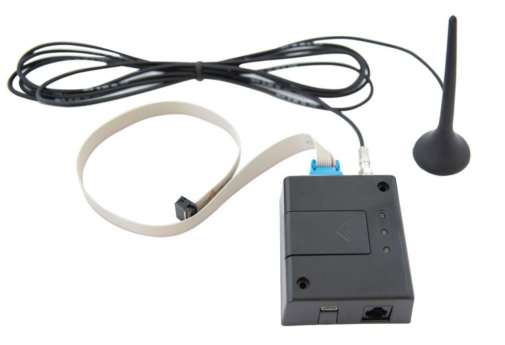 Telegestione e domotica - TELEGESTIONE Oltre al display touch screen per la gestione dell'impianto da parte dell'utente finale è possibile abbinare al sistema un modem (GSM o Ethernet) per la telegestione. Grazie al modem la centralina è comandabile da remoto tramite pagina web dedicata.  DOMOTICA E' possibile supervisionare la regolazione FloorTech con un sistema domotico che utilizzi un linguaggio KNX o Modbus. In questo caso è sufficiente collegare alla centralina un'interfaccia KNX o Modbus per gestire l'impianto direttamente dal regolatore domotico.