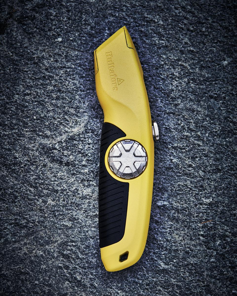 w25_utility-knife-usra-960x1200px