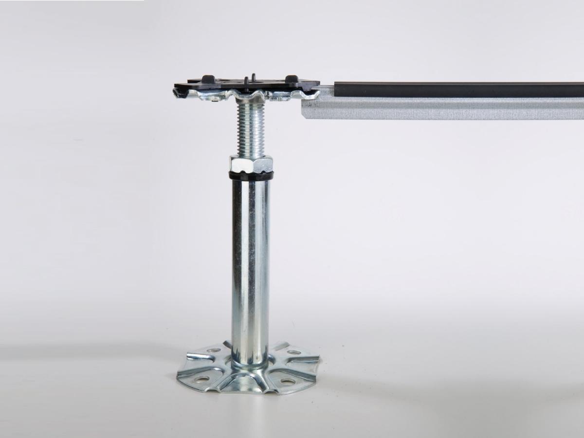Struttura ST1 per pavimento galleggiante e flottante - Struttura per pavimenti sopraelevati composta da colonnine e traverse portanti in acciaio zincato con profilo nervato a sezione Omega 21x18 mm e spessore 1 mm.  Per carichi medio-alti.