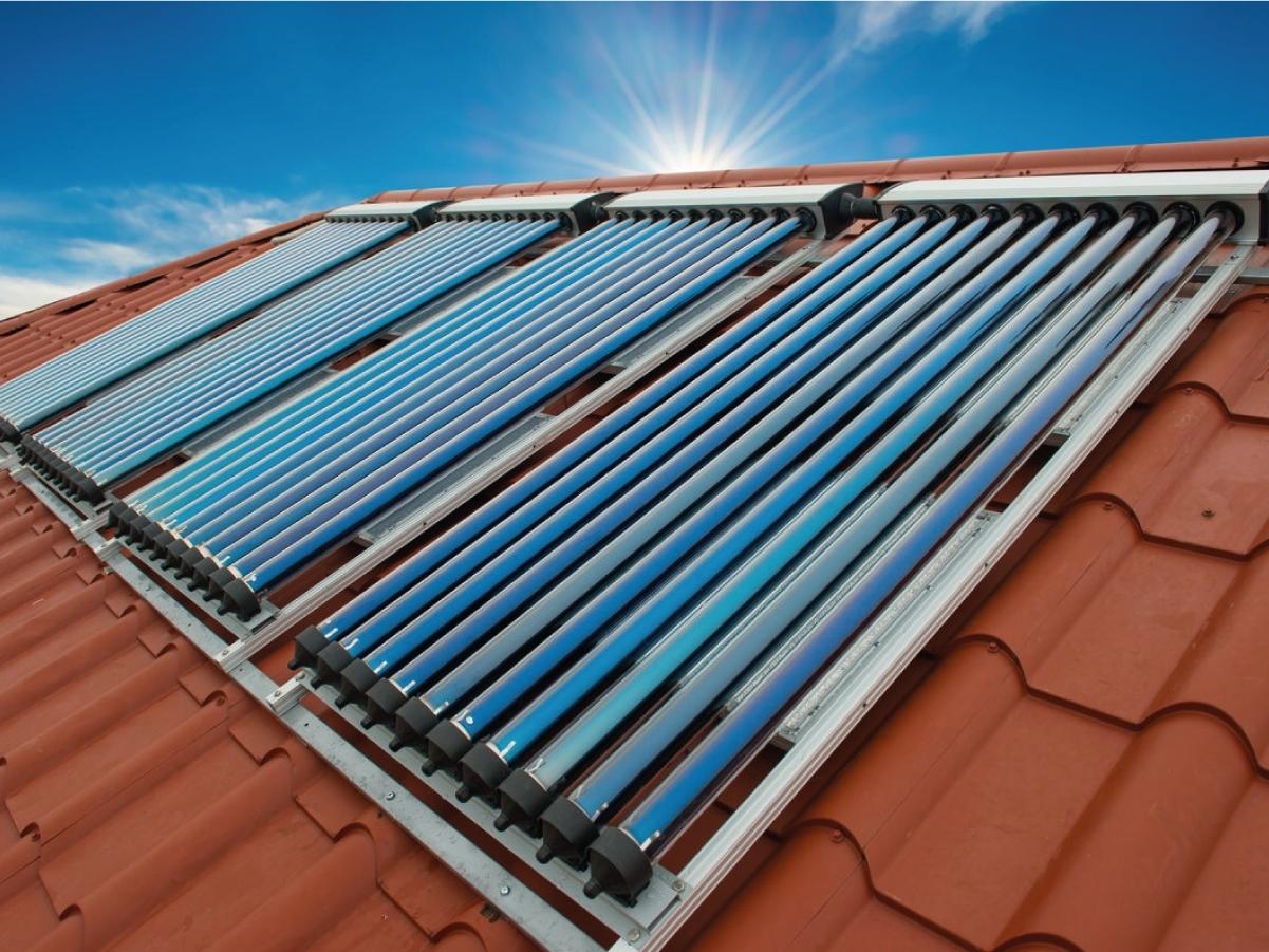 Impianti Solari Termici Finbi - Semplicità di applicazione e qualità dei prodotti sono solo due dei numerosi vantaggi derivanti dall'utilizzo degli impianti solari termici Energia eco che, attraverso la tecnologia dei tubi solari sottovuoto, incrementano le normali prestazioni degli impianti solari termici.  Il funzionamento dei pannelli solari a tubi sottovuoto riguarda principalmente l'isolamento della camera d'aria da perdite di calore, permettendo all'energia assorbita di non disperdersi. L'energia solare accumulata viene trasferita all'acqua nel collettore non cedendo temperatura verso l'ambiente esterno . Questa è la differenza chiave fra pannelli a tubi solari ed i collettori piani che, sommata all'efficienza di scambio di calore del condotto termico, permette al nostro collettore solare di ottenere ottimi risultati tutto l'anno indifferentemente dalle condizioni climatiche esterne rigide.  Gli impianti solari termici Energia eco sono caratterizzati da componenti di alto livello ed un rapporto qualità prezzo difficilmente eguagliabile.  Grande importanza viene data agli standard produttivi. I pannelli solari Energia eco sono prodotti secondo i controlli di qualità certificati UNI EN 12975 necessari per l'ottenimento delle detrazioni statali.  Il funzionamento dell'impianto solare comprende 3 fasi principali: Assorbimento energia solare, scambio di calore solare e stoccaggio di energia solare.  Ognuna di queste tre fasi è di grande importanza per il corretto funzionamento dell'impianto; difatti nello sviluppo di un struttura solare non bisogna assolutamente trascurare la scelta del sistema di accumulo, gestione e trasferimento dell'energia, ed è proprio per questo motivo che l'azienda FINBI S.R.L. fornisce ai suoi clienti solo materiali di prima qualità per quanto riguarda accumuli solari, centraline di gestione, tubazioni ed ogni componente di impianto, offrendo inoltre personale qualificato a disposizione per orientare i propri clienti nelle loro scelte.