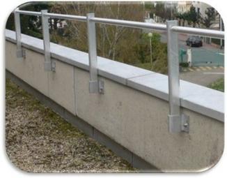 Parapetti in alluminio SECURIGARD ALU montante DIRITTO