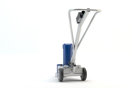 Levigatrici monodisco BG-180EC - La Levigatrice carrellata BG-180EC è una levigatrice per calcestruzzo specificamente progettata per applicazioni di levigatura di superfici molto piccole e di difficile accesso, come bordi e angoli. Consente all'operatore di lavorare in posizione eretta, rendendo l'operazione più comoda, facile e veloce. Non rilascia polveri quando connessa ad un adeguato aspiratore. Blastrac ha realizzato una gamma completa di levigatrici per calcestruzzo e attrezzature diamantate, capaci di eseguire specifiche applicazioni su qualsiasi superficie.
