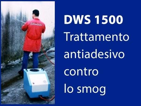 DWS 1500 trattamento contro lo smog - DWS 1500 è un trattamento antiadesivo contro lo smog, rende la parete oleoidrorepellente ed autopulente.  Sistema monocomponente ad altissima fluidità e penetrazione con perfette affinità con i materiali lapidei .  Dopo l'applicazione  le superfici non rimangono unte o appiccicose. La traspirazione del muro resta inalterata.  Non modifica il colore originario del muro ed è sopraverniciabile, non crea pellicole ed ha effetto autopulente ed antismog.  DWS 1500 è un prodotto a base di polidimetilsilossani a bassissima viscosità ed altissimo potere penetrante, colore bianco latte, rende i muri o le pietre trattate antiadesive verso smog e sporco atmosferico, ha effetto autopulente, riduce quindi l'aggrapaggio dello sporco e delo smog.