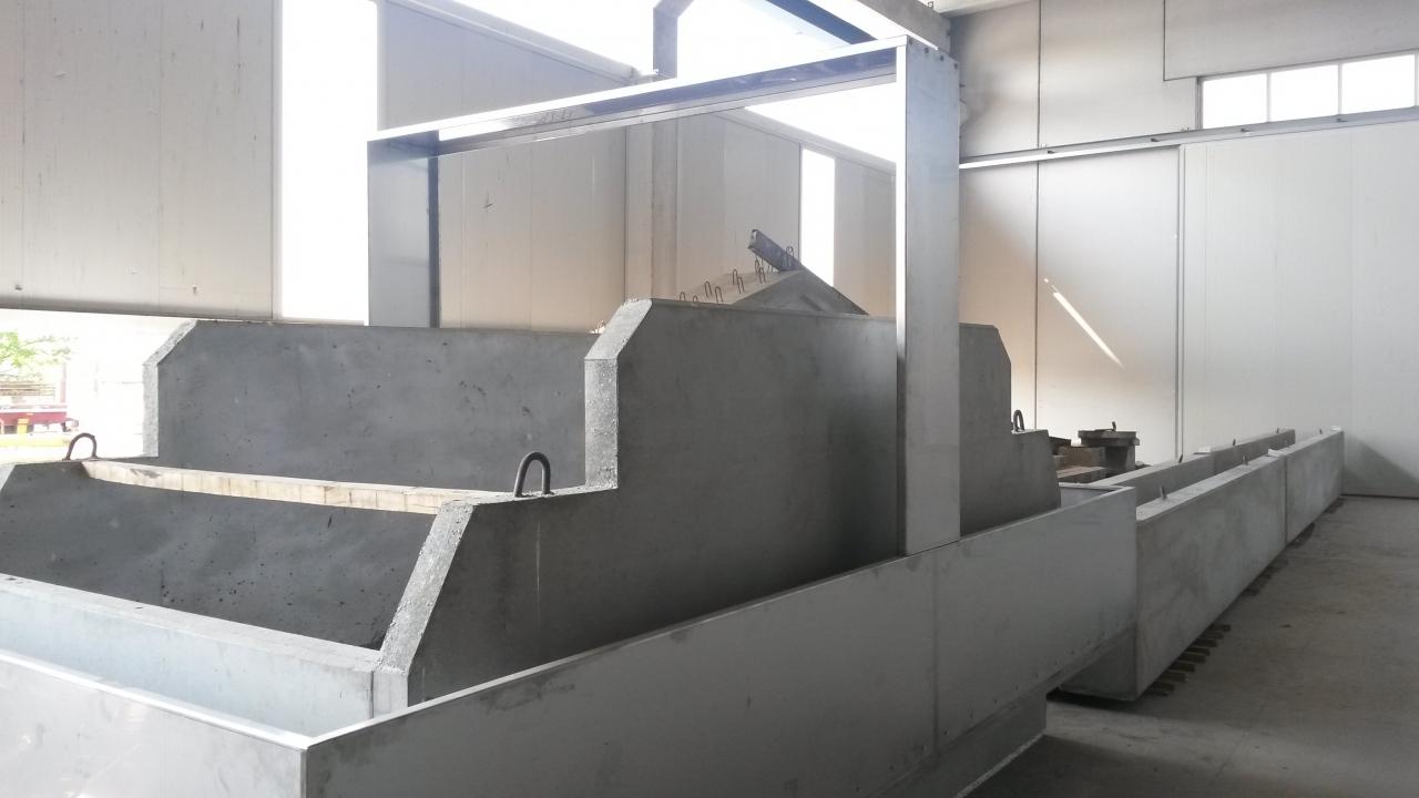Realizzazioni particolari - Siamo in grado di realizzare manufatti in c.a.v. con carrabilità speciali (fino a 14.000 kg/mq), profili irregolari, forometrie fino a 200 cm di diametro, accessori idraulici ed impiantistici in carpenteria metallica e plastica, e tutto quanto occorrente per realizzare il prodotto finito  Siamo in grado di realizzare manufatti in c.a.v. con carrabilità speciali (fino a 14.000 kg/mq), profili irregolari, forometrie fino a 200 cm di diametro, accessori idraulici ed impiantistici in carpenteria metallica e plastica, e tutto quanto occorrente per realizzare il prodotto finito.