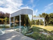 Nella Silicon Valley c'è una casa che galleggia tra le fronde degli alberi